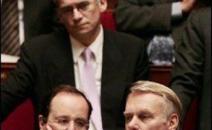 """En cas de victoire, Ségolène Royal proposera une """"grande loi cadre"""" pour renforcer la lutte contre les violences faites aux femmes, dotée de """"véritables moyens répressifs et préventifs, tant judiciaires que policiers"""", a annoncé mardi le groupe PS à l'Assemblée nationale."""