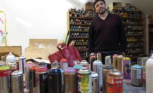 Christian Guémy alias C215 dans son atelier à Ivry-sur-Seine (Val-de-Marne)