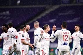 Les Lyonnais fêtent le premier but face à Angers, le 11 avril 2021.