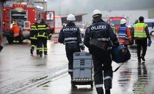 Une fuite de gaz sur un radiateur est à l'origine de l'incendie qui a fait 14 morts et neuf blessés dans un atelier employant des handicapés à la fabrication d'objets de Noël en Forêt noire (sud-ouest).