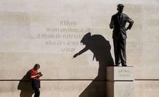 La statue de George Orwell, l'auteur de «1984»  à Londres.