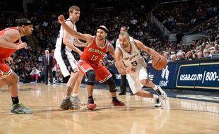 Le meneur de jeu français des San Antonio Spurs Tony Parker, le 25 janvier 2015 contre les Milwaukee Bucks.