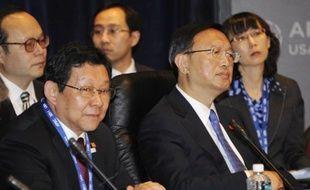 L'excédent commercial de la Chine, sujet de frictions avec ses partenaires économiques, s'est réduit à 155,14 milliards de dollars en 2011, ont annoncé mardi les douanes chinoises.