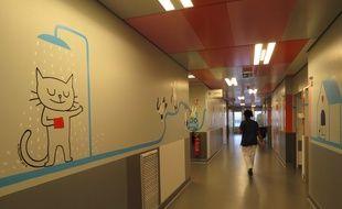 Paris, le 10 décembre 2014, le service de pédiatrice générale de l'hôpital Necker a été décoré par des illustrateurs de l'Ecole des Loisirs.