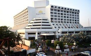 Un incendie a frappé le Regent Plaza Hotel, à Karachi, au Pakistan, dans la nuit du 4 décembre 2016.