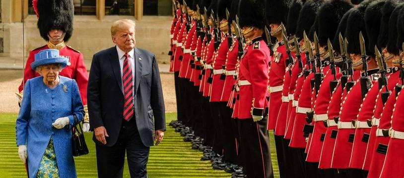 Donald Trump a rendu visite à la reine Elizabeth II au château de Windsor.