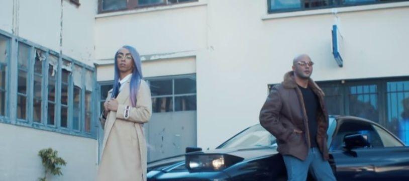 Bilal Hassani et Alkpote dans le clip de «Monarchie absolue».