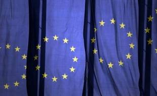 Des drapeaux européens flottent sur le siège de la BCE à Francfort, le 29 juin 2015