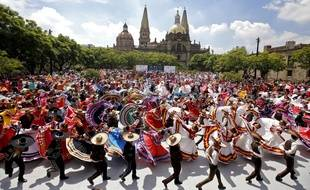Mexique Plus De 800 Personnes Reunies Pour Le Record Du