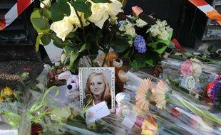 Fleurs en hommage à Marion, tuée de 69 coups de couteau à Bouguenais en 2012.