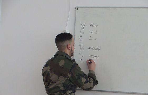 service militaire volontaire  a br u00e9tigny  l u0026 39 arm u00e9e se bat