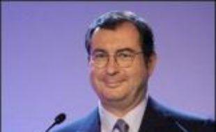 Le groupe français diversifié Bouygues a annoncé jeudi avoir réalisé au premier semestre 2007 un chiffre d'affaires de 13,29 milliards d'euros, en hausse de 10% par rapport à la même période de 2006, tiré par la construction.