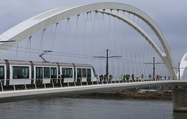 Le tram de la ligne D va franchir le Rhin à blanc à partir de lundi, jusqu'à son inauguration.