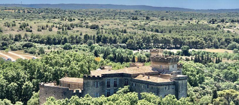 Le château de La Barben, par à thème « Rocher Mistral » est situé à 20 minutes d'Aix