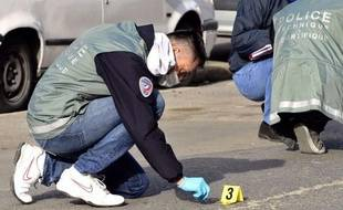 """Le policier """"en état alcoolisé"""" soupçonné d'avoir tué une jeune avec son arme de service au cours d'une rixe a été mis en examen pour meurtre et écroué, a-t-on appris samedi de source proche de l'enquête."""