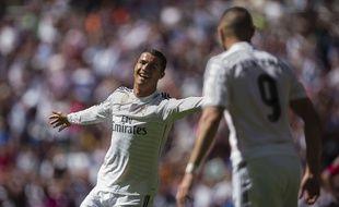 Ronaldo et Benzema lors de l'écrasante victoire 9-1 du Real Madrid contre Grenade, le 5 avril 2015.