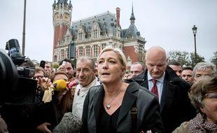 Marine Le Pen s'est déplacé ce vendredi 24 octobre à Calais pour dénoncer «l'immigration massive».