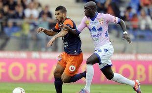 Montpellier, champion de France en titre au début de saison poussif, est tombé sur sa pelouse 3 à 2 contre le mal classé Evian, samedi pour le compte de la 8e journée de L1, alors que Reims se place provisoirement à la 4e place après son succès contre Nice (3-1).