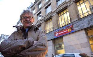 Des mal-logés, militants de l'association Droit au logement (DAL), se sont installés samedi sur la place de la République à Paris, où ils entendent rester une semaine pour protester contre le projet de loi Duflot