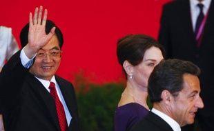 Le président chinois Hu Jintao arrive ce jeudi à la mi-journée en France pour une visite d'Etat de trois jours très attendue qui doit définitivement sceller la fin de la brouille entre les deux pays par des milliards d'euros de contrats, notamment pour Airbus et Areva.