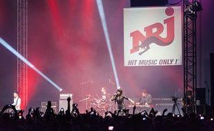 Lilly Allen sur la scène du NRJ Music Tour à Lyon le 5 avril 2014