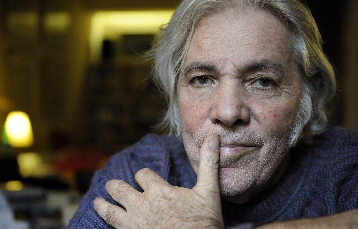 Le chanteur et parolier Pierre Barouh, le 14 octobre 2008, chez lui à Paris. – AFP