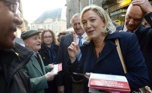 Marine Le Pen (FN) était à Fougères (Ille-et-Vilaine) samedi 26 octobre 2013.