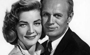 Lauren Bacall et Richard Widmark dans le film «La Toile d'Araignée» («The Cobweb») de Vincente Minnelli, en 1955.