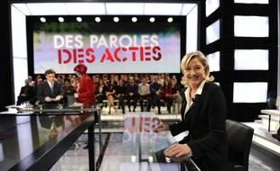 Marine Le Pen dans «Des paroles et des actes», sur France 2, le 23 février 2012.