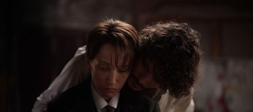 Laura Smet et Tom Hygreck dans « La Garçonne ».