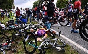 Après la chute lors de l'étape de Landerneau, samedi.