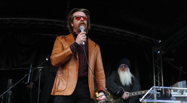Attentats du 13-Novembre: Les Eagles of Death Metal improvisent un concert hommage à Paris