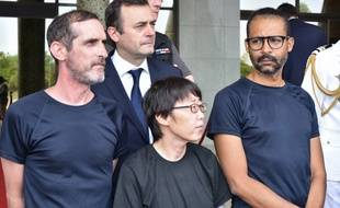 Les deux ex-otages français et l'ex-otage coréenne à Ouagadougou, le 11 mai 2019.