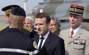 Emmanuel Macron s'adressant aux militaires à Istres.