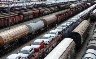 Des trains de marchandise sont à l'arrêt dans une gare à Munich le 4 mai 2015, immobilisés par la grève des conducteurs