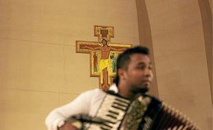 Hier, plus de 800 personnes ont assisté au concert donné par les roms.