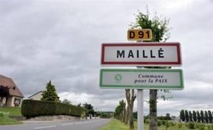 """Plus de soixante ans après le massacre de 124 habitants d'un village du centre de la France par l'armée du IIIe Reich en août 1944, la justice allemande va envoyer des enquêteurs sur place en juillet, dans une démarche qualifiée d'""""exceptionnelle""""."""
