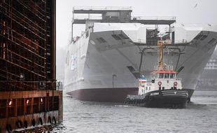 """Malgré la mise à l'eau de sa coque en  décembre 2018, le """"Honfleur"""" ne transportera jamais de passagers."""