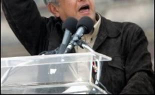 Le candidat de gauche à la présidence du Mexique Andres Manuel Lopez Obrador s'est entêté dimanche à demander que la totalité des suffrages de la présidentielle du 2 juillet soient recomptés, alors que le Tribunal électoral a ordonné samedi un nouveau comptage partiel de 9% des voix.