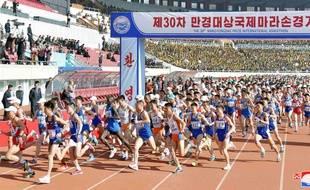 Le départ du marathon de Pyongyang, dimanche 7 avril 2019 en Corée du Nord.