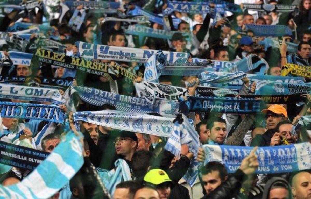 Les supporters marseillais lors d'un match de L1 au Stade Vélodrome contre le PSG le 20 novembre 2009. – SIPA