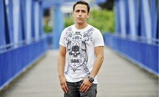 Stéphane Da Silva, originaire de La Courneuve, est le créateur des tee-shirts BAK 93.