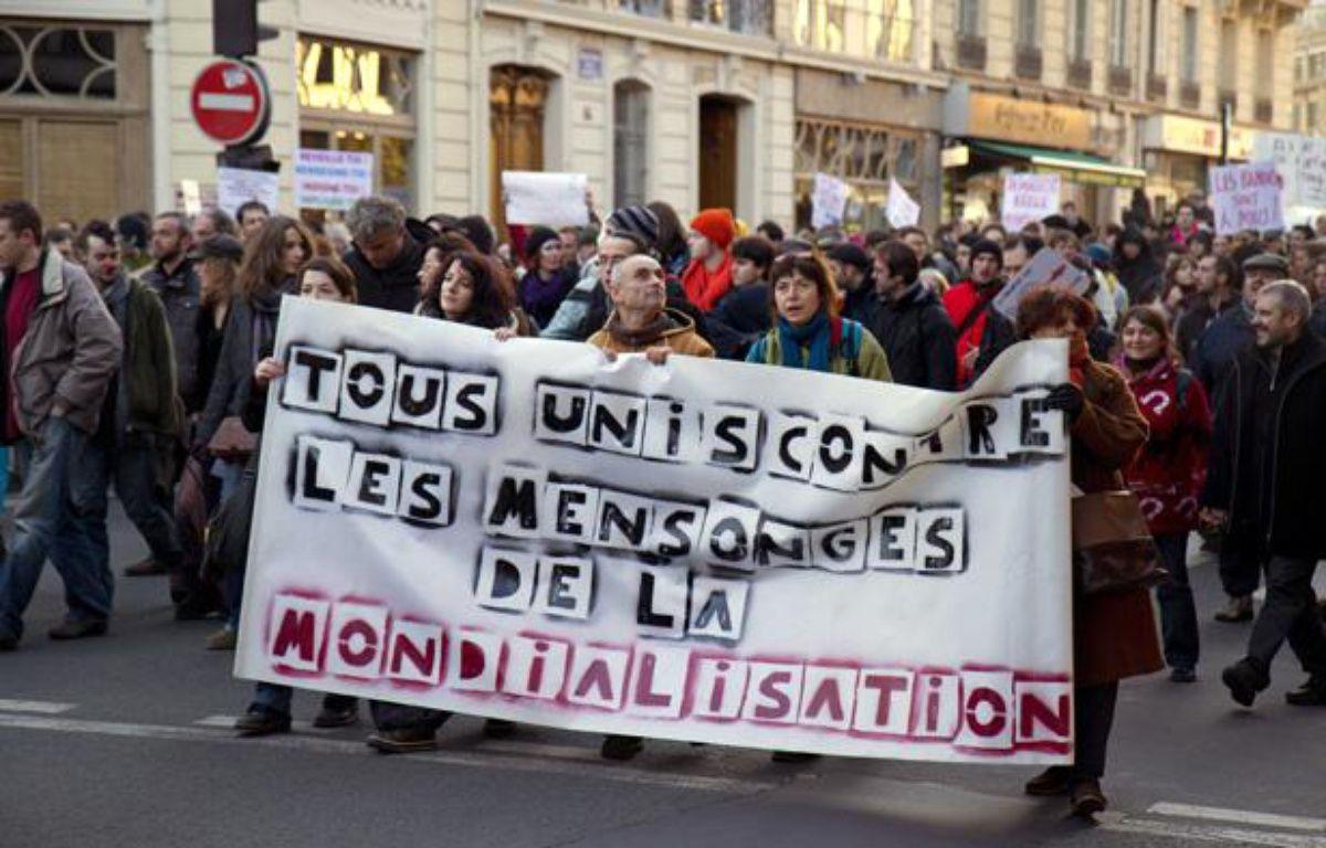 Manifestation des indignés àParis, le 10 décembre 2011. – RAPHAEL BODIN / SIPA