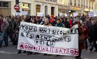 Manifestation des indignés àParis, le 10 décembre 2011.
