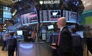La Bourse de New York, qui a repris son souffle cette semaine, espère qu'une résolution durable de la crise chypriote et une nouvelle salve d'indicateurs économiques américains l'aideront à reprendre le fil de sa course aux records historiques.