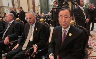 Le secrétaire général de l'ONU Ban Ki-moon a lancé un appel au président syrien Bachar al-Assad jeudi lors du sommet arabe de Bagdad à agir sans délai pour appliquer le plan élaboré par l'envoyé spécial Kofi Annan et qu'il a selon lui approuvé.