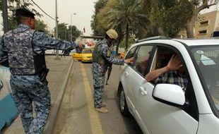 Deux bombes sur un marché aux bestiaux, une troisième lors de l'enterrement de victimes de la première attaque, et d'autres attaques ont fait 20 morts vendredi dans le nord de l'Irak, ont annoncé la police et un médecin.