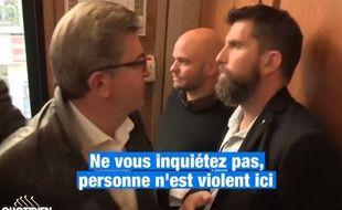 Jean-Luc Mélenchon (à g.) face à des policiers, le 18 octobre 2018, devant le siège de La France insoumise. L'image provient d'une capture d'écran d'un sujet diffusé le 10 septembre 2019 dans «Quotidien».