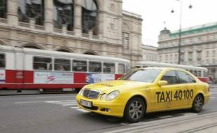 """Dans """"Le Troisième homme"""", chef d'oeuvre du 7e Art de 1949, un chauffeur de taxi conduit le héros Holly Martins à travers les rues de Vienne dévastée par les bombes de la Seconde guerre mondiale, sans aucune considération pour son passager."""