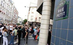 Rassemblement de la commmunauté après l'agression d'un jeune juif aux abords de la synagogue de la rue Petit.